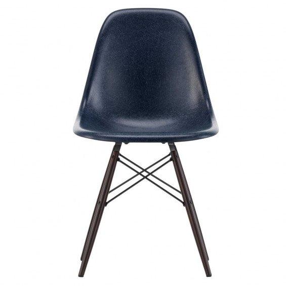 Eames Eettafel Stoelen.Vitra Eames Fiberglass Chair Dsw Misterdesign