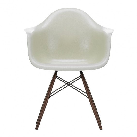 Vitra Eames Fiberglass Chair DAW
