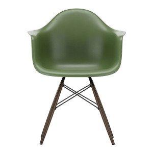 Eames Plastic Chair DAW Esdoorn Donker