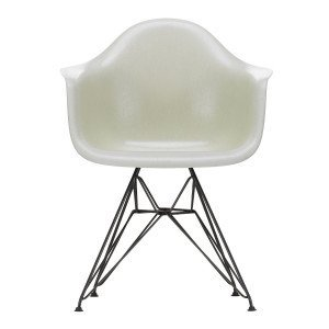 Eames Fiberglass Chair DAR Zwart