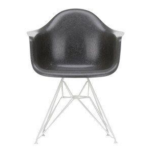 Eames Fiberglass Chair DAR Wit