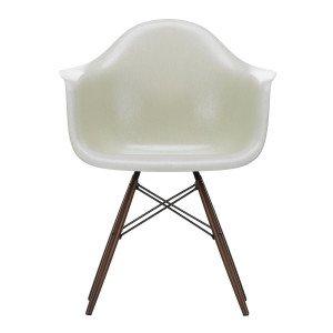 Eames Fiberglass Chair DAW